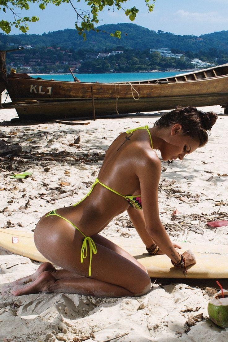 a595688b236e954c4e5780f92e84f2fb--surf-girls-fit-girls.jpg