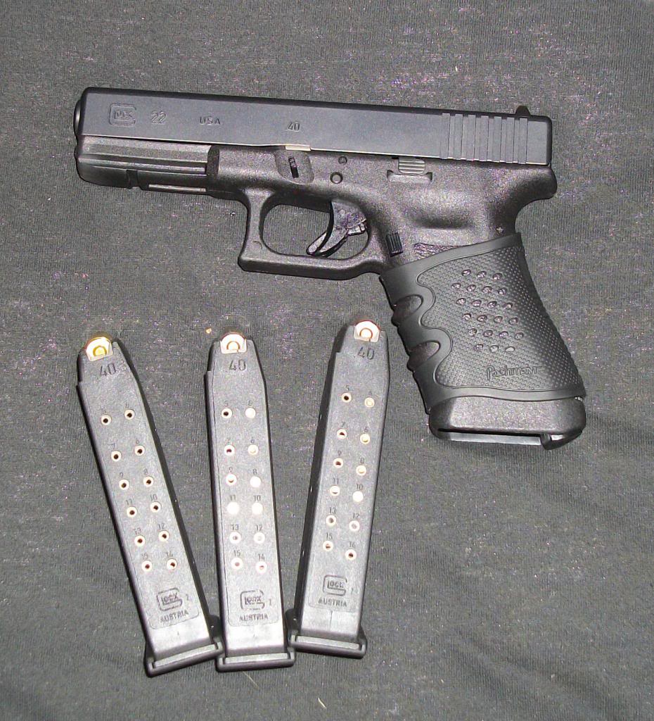Glock22_zpsae6d0999.jpg